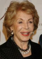 Anne Douglas - Beverly Hills - 11-10-2005 - Kirk Douglas riceve premio benefico