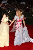 Andrea Riseborough, Madonna - Venezia - 02-09-2011 - Festival di Venezia: Madonna raggiante sul red carpet di W.E.