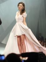 Miranda Kerr - Città del Messico - 02-09-2011 - Corto o lungo? Ecco le dive che non sanno decidersi!