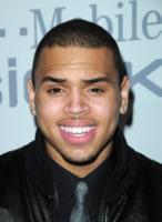 Chris Brown - Beverly Hills - 08-02-2009 - Chris Brown ricompensa l'onestà della sua fan