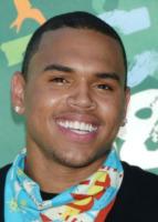 Chris Brown - Universal City - 03-08-2008 - Chris Brown ricompensa l'onestà della sua fan