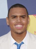 Chris Brown - Hollywood - 07-09-2008 - Chris Brown ricompensa l'onestà della sua fan