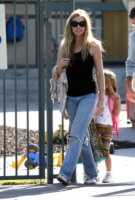 Denise Richards - Los Angeles - 13-10-2008 - Ricomincia la scuola: tutte pronte per la school run?