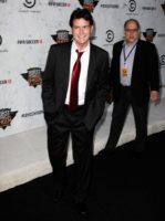 Charlie Sheen - Los Angeles - 12-09-2011 - Charlie Sheen in tv con Anger Management