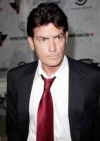 Charlie Sheen - Los Angeles - 12-09-2011 - Charlie Sheen torna in pista e abbraccia Ashton Kutcher
