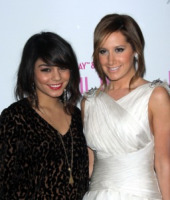 Ashley Tisdale, Vanessa Hudgens - West Hollywood - 06-04-2011 - High School Musical, in arrivo il quarto capitolo
