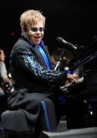Elton John - Norfolk - 25-03-2011 - Sir Elton John ricoverato per un'appendicite