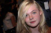 Elle Fanning - New York - 12-09-2011 - Continua la carriera di Elle Fanning con il dranma della guerra fredda Bomb