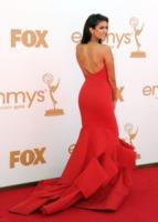 Nina Dobrev - Los Angeles - 18-09-2011 - Emmy 2011: gli arrivi sul red carpet