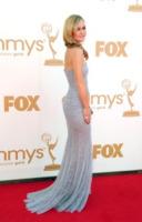 Julia Stiles - Los Angeles - 18-09-2011 - Emmy 2011: gli arrivi sul red carpet