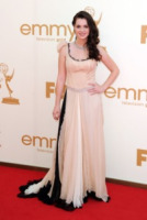 Vanessa Marano - Los Angeles - 18-09-2011 - Emmy 2011: gli arrivi sul red carpet