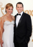 Lisa Joyner, Jon Cryer - Los Angeles - 18-09-2011 - Emmy 2011: gli arrivi sul red carpet
