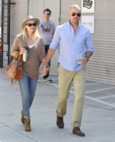 "Jim Toth, Reese Witherspoon - Brentwood - 19-09-2011 - Reese Witherspoon ""salvata"" da Jim Toth al primo incontro"