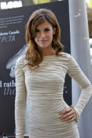 Elisabetta Canalis - Beverly Hills - 13-09-2011 - Elisabetta Canalis sopravvive alle eliminazioni di Dancing with the stars