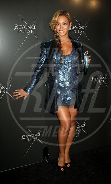 Beyonce Knowles - New York - 21-09-2011 - Profumo di star: Katy Perry comanda la fila