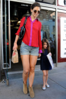 Suri Cruise, Katie Holmes - New York - 09-09-2011 - Katie Holmes nella serie How I met your mother