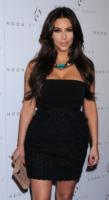 Kim Kardashian - West Hollywood - 23-09-2011 - Kim Kardashian a Dubai per lavoro, senza il marito
