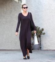 """Miley Cyrus - Beverly Hills - 24-09-2011 - Miley Cyrus nega di fare uso di marijuana: """"Scherzavo"""""""