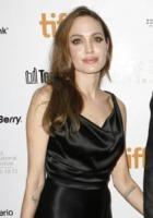 Angelina Jolie - Toronto - 09-09-2011 - In the land of blood and honey di Angelina Jolie esce in tempo per gli Oscar, con una macchia di sangue sul poster