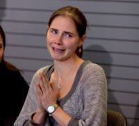 Amanda Knox - Seattle - 04-10-2011 - Hayden Panettiere fa gli auguri ad Amanda Knox