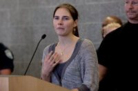 Amanda Knox - Seattle - 04-10-2011 - Amanda Knox è rientrata a Seattle