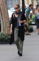 Jennifer Aniston - New York - 01-10-2011 - Il cardigan ritorna dagli Anni Ottanta con furore