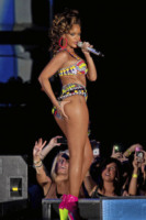 Rihanna - Glasgow - 12-10-2011 - Rihanna è la donna più sexy del mondo per Esquire