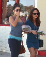 Vanessa Hudgens - Los Angeles - 12-10-2011 - Star come noi: il pasto si porta da casa