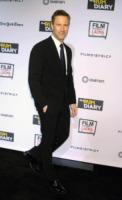Aaron Eckhart - Los Angeles - 13-10-2011 - Aaron Eckhart interpreta il batterista dei Beach Boys Dennis Wilson