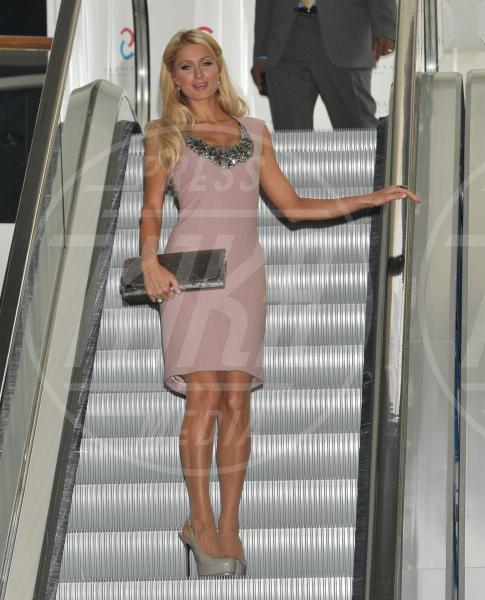 Paris Hilton - Katowice - 13-10-2011 - A ogni star il suo colore: nero per Angelina, rosa per Paris