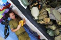 Soldatessa - 06-04-2011 - Havat: la base di Miss Haifa dove comandano le donne (vestite)