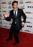 Robert Downey Jr - Beverly Hills - 14-10-2011 - Robert Downey Jr. lavora a una serie tv su Perry Mason