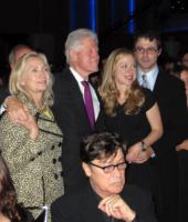 Hillary Clinton, Chelsea Clinton, Bill Clinton - Los Angeles - 15-10-2011 - Hillary Clinton: