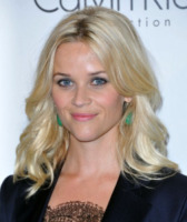 Reese Witherspoon - Beverly Hills - 18-10-2011 - Ryan Phillippe e Reese Witherspoon insieme a Disneyland per il compleanno del figlio