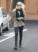 Lindsay Lohan - Los Angeles - 20-10-2011 - Lindsay Lohan si spoglia per Playboy per un milione di dollari