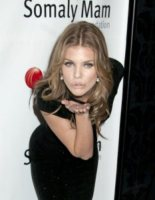 AnnaLynne McCord - New York - 20-10-2011 - Annalynne McCord mette su Twitter una sua foto in topless