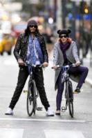 Katy Perry, Russell Brand - New York - 22-10-2011 - Katy Perry e Russell Brand ridono delle voci di divorzio