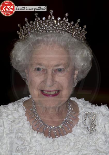 Regina Elisabetta II - Dublino - 19-05-2011 - Geoffrey Rush dimentica di salutare la regina Elisabetta