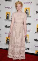 Elle Fanning - Beverly Hills - 24-10-2011 - Continua la carriera di Elle Fanning con il dranma della guerra fredda Bomb