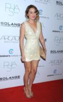 Lauren Conrad - West Hollywood - 26-10-2011 - Lauren Conrad regala gli abiti della sua linea per Natale