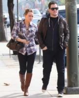 Mike Comrie, Hilary Duff - Hollywood - 27-10-2011 - Il marito di Hilary Duff Mike Comrie si ritira dalla Nhl