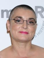 Sinead O'Connor - West Hollywood - 27-10-2011 - Sinead O'Connor si sposa a Las Vegas, su una Cadillac rosa