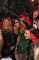 Kim Kardashian - New York - 29-10-2011 - Kim Kardashian festeggia anche Halloween senza il marito Kris Humphries
