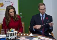 Principe William, Kate Middleton - Copenhagen - 02-11-2011 - William e Kate al concerto di Gary Barlow con Carlo e Camilla, per beneficenza