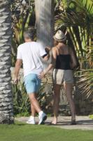 Stacy Keibler, George Clooney - Los Cabos - 04-11-2011 - Palpatine hot, scopri chi allunga le mani