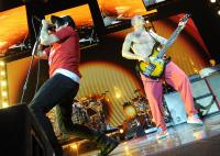 Flea, Anthony Kiedis - Londra - 07-11-2011 - I Red Hot Chili Peppers posticipano il tour americano
