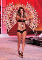 Alessandra Ambrosio - New York - 09-11-2011 - È ufficiale, il Victoria's Secret Fashion Show non si farà