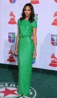 Zoe Saldana - Las Vegas - 10-11-2011 - Volete essere trendy? Allora dovete essere Verde Greenery!
