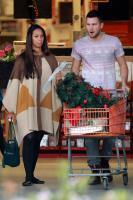 Dennis Jauch, Leona Lewis - Los Angeles - 09-11-2011 - È arrivato l'autunno: tempo di tirar fuori il poncho!
