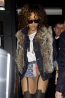 Rihanna - Londra - 13-11-2011 - Il video di Rihanna in onda in Francia solo dopo le 22